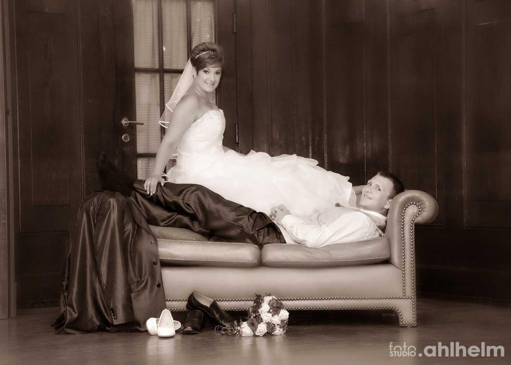 Fotostudio Ahlhelm Hochzeit on location Couch
